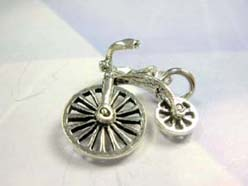 Cute bicycle, precious 925. sterling silver mouthing pendant