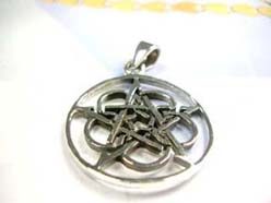Fine 925. sterling silver intricate celtic star pendant