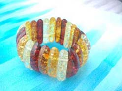 Cucumber shape stretchy amber bracelet