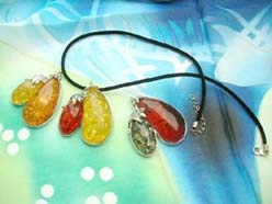 faux-amber-pendant-necklaces-012