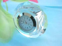 arcrylic crystal decorating clock(battery not included), round shape