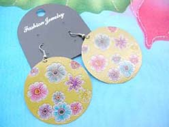 wholesale earrings with daisy flowers design yellow