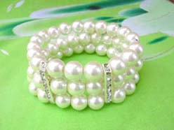 3 rows faux pearl stretchy white beaded bracelet with cz long spacer