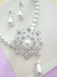 imitation pearl and cz flower necklace and earring jewelry set- floral petal desing