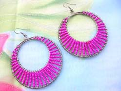 beaded earring red and pink circle