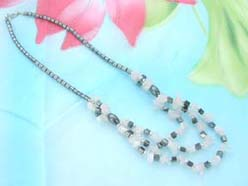 triple strands quartz gemstone chip and hematite beaded necklace