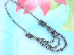 triple strands gemstone chip and hematite beaded necklace