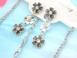 jenamel cubic zirconia fashion earring and necklace jewelry set in black daisy design