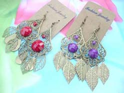 retro antique jewelry filligree cut out and leaf dangle earring