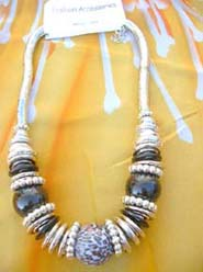 large-bead-silver-coil-necklace-002-2