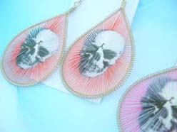 thread-earrings-skull-0012