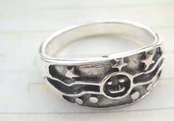Quality 925. stamped silver happy face and star ring