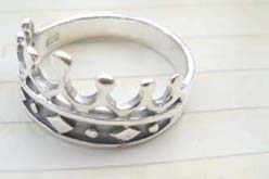 Favorite 925. stamped silver ring motif a queen crown design